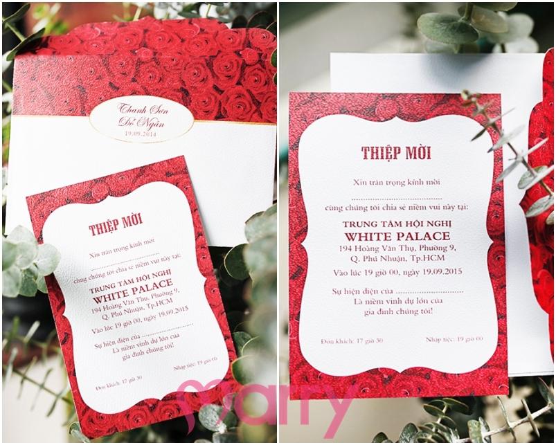 Thiệp cưới đẹp màu đỏ họa tiết hoa hồng cổ điển