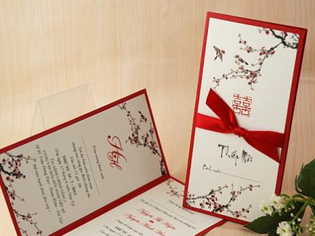 Thiệp cưới đẹp màu đỏ kết hợp phong cách hiện đại và truyền thống