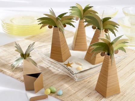 Quà cảm ơn khách mời: Hộp giấy hình cây dừa đựng kẹo