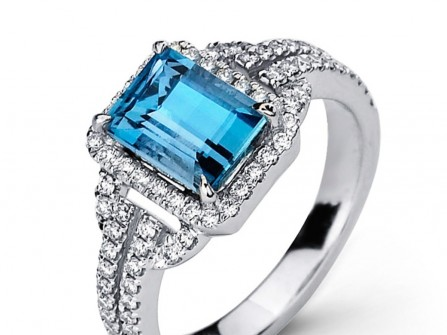 Nhẫn cưới vàng trắng đính kim cương và ngọc biển xanh