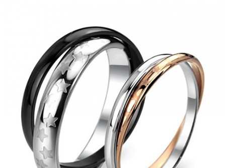Nhẫn cưới vàng trắng lồng vào nhau độc đáo