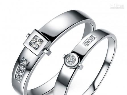 Nhẫn cưới đẹp vàng trắng mặt tròn và mặt vuông