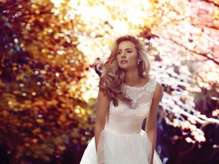 Váy cưới đẹp voan trắng tay lỡ đơn giản và kín đáo