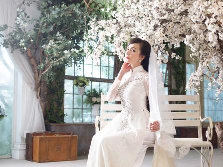 Có nên mặc lại áo dài đám hỏi trong đám cưới?