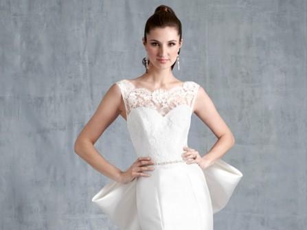 Váy cưới đẹp màu trắng đuôi cá kiêu kỳ