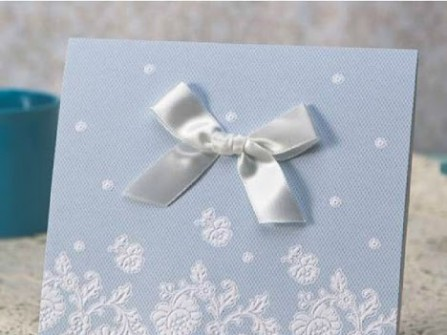 Thiệp cưới đẹp gam xanh hình hoa dập nổi