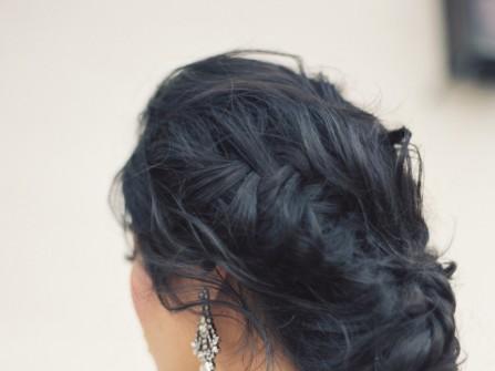 Tóc cưới đẹp tết bím lệch búi thấp sang trọng
