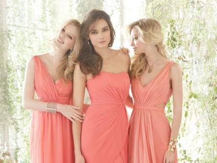Váy phụ dâu tông hồng cam dáng suôn dài thướt tha