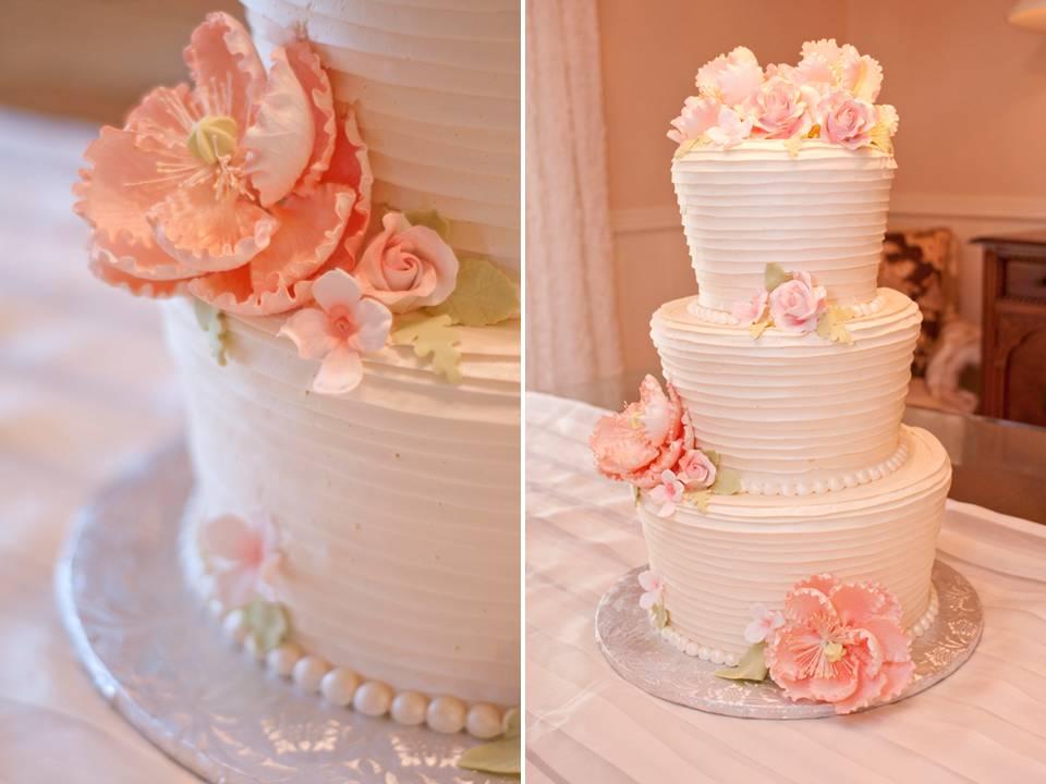 Bánh cưới đẹp đơn giản kết hoa đường màu hồng tinh tế