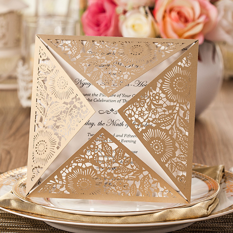 Thiệp cưới đẹp cắt laser màu vàng đồng sang trọng