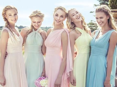 Váy phụ dâu dáng dài nhiều kiểu, sắc màu pastel ngọt ngào