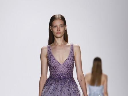 Váy cưới tím siêu lãng mạn của Monique Lhuillier