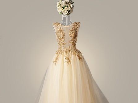 Váy cưới đẹp màu vàng đồng phối ren nổi sang trọng
