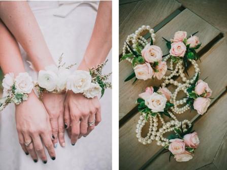 Hoa cưới đeo tay đẹp lãng mạn