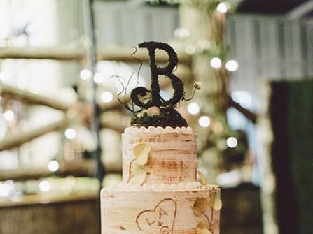 Bánh kem cưới đẹp phong cách rustic