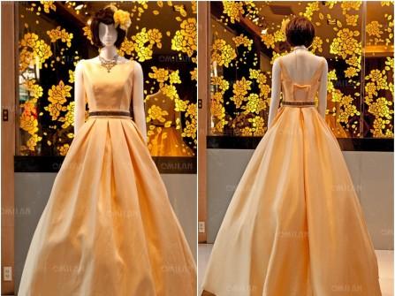 Váy cưới đẹp màu vàng phong cách đơn giản và cổ điển