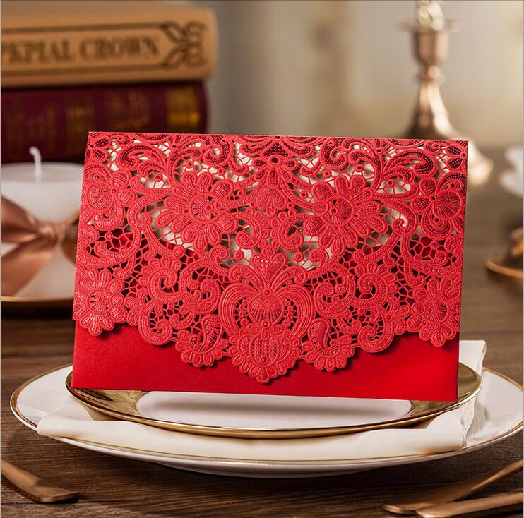 Thiệp cưới đẹp màu đỏ cắt laser họa tiết cầu kỳ