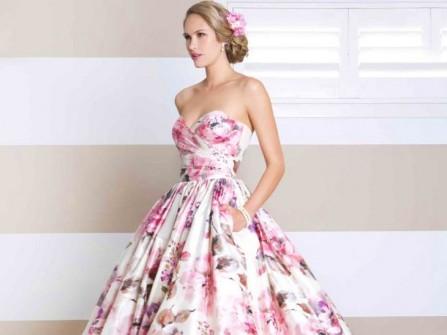 Váy cưới đẹp họa tiết hoa mẫu đơn sang trọng tuyệt vời
