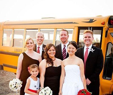 Theme cưới gợi nhớ tình yêu thuở cắp sách đến trường
