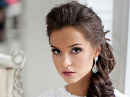 Tóc cưới đẹp bới cao, thắt bím lỏng tay đuôi tóc
