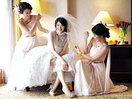 10 bí quyết tiết kiệm tuyệt vời khi mua váy cưới