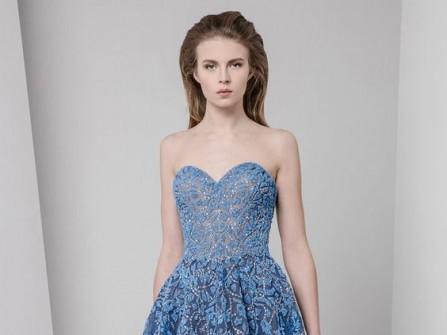 Váy cưới đẹp màu xanh biển sâu kết ren hoa nổi
