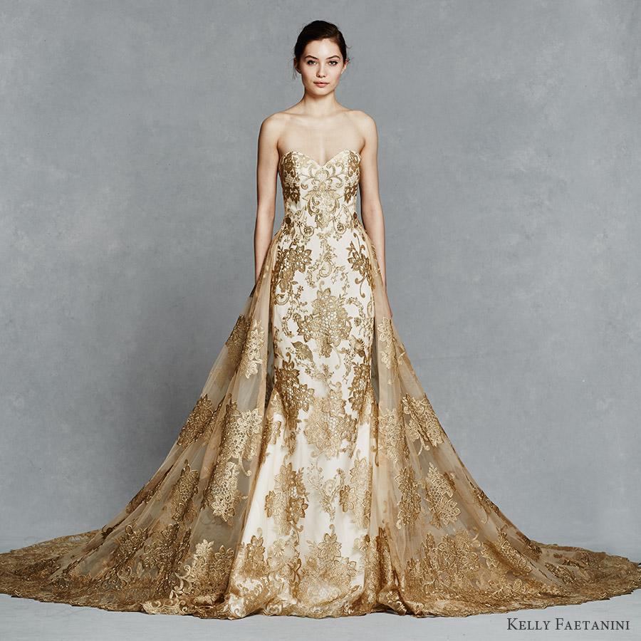 Váy cưới đẹp đuôi xòe kết ren vàng đồng sang trọng