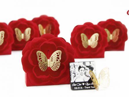 Quà cưới Chocolate Graphics mang đến sự tinh tế và sang trọng cho đám cưới.
