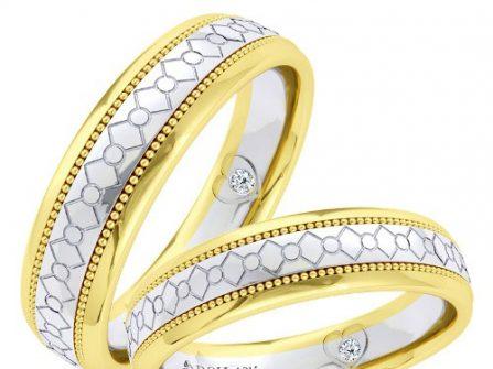Nhẫn cưới đẹp viền vàng khắc họa tiết cầu kỳ