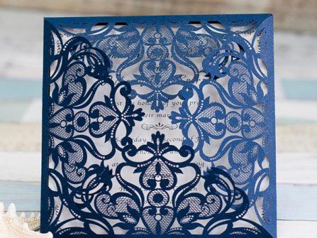 Thiệp cưới đẹp màu xanh navy cắt laser tinh xảo