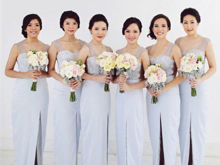 Váy phụ dâu màu xanh dương, dáng suôn nhã nhặn