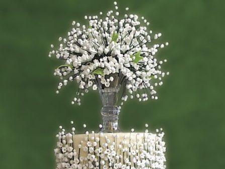 Bánh cưới đẹp họa tiết hoa bi tươi tắn
