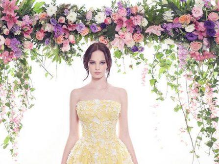 Váy cưới đẹp màu vàng rực rỡ đính hoa ren nổi
