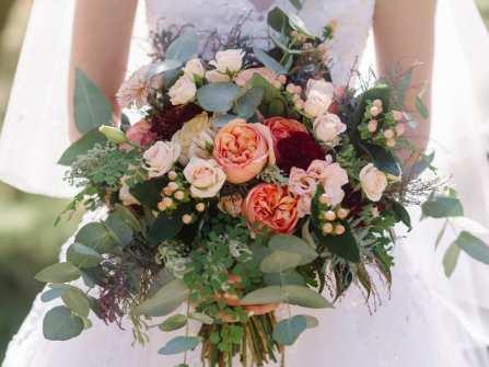 7 kiểu hoa cưới cầm tay đẹp được yêu thích nhất thế giới