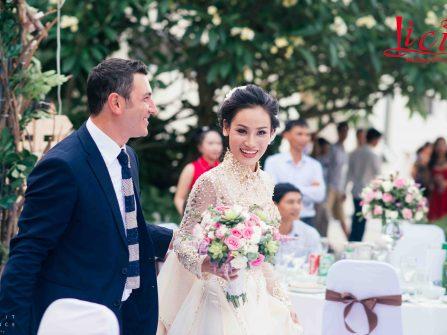 Hôn lễ phong cách Rustic của cặp đôi chồng Tây vợ Việt