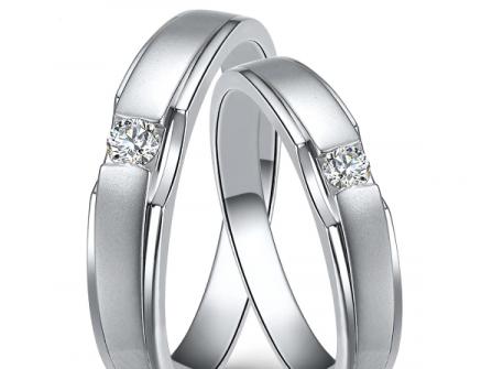 Nhẫn cưới vàng trắng phong cách đơn giản và hiện đại