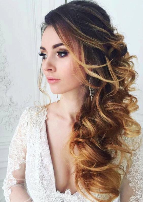Tóc cưới đẹp uốn lọn đơn giản và lãng mạn cho cô dâu