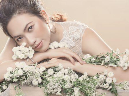 Bí quyết trang điểm mắt cho cô dâu phong cách mùa Thu dịu dàng