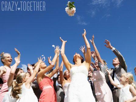 7 ý tưởng vui nhộn thay thế cách tung hoa cưới truyền thống