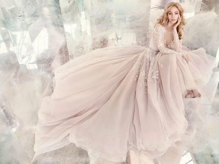 Váy cưới đẹp phong cách công chúa màu hồng pastel