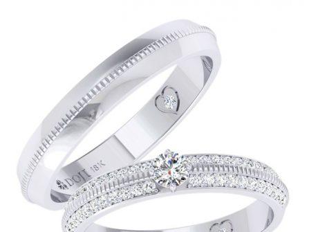 Nhẫn cưới vàng trắng chạm khắc đính kim cương cầu kỳ