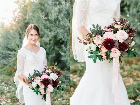 Hoa cầm tay cô dâu kết từ hoa hồng David Austin và hoa thược dược