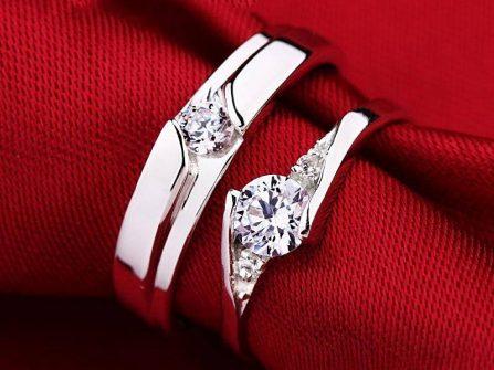 Nhẫn cưới vàng trắng cổ điển đính kim cương sang trọng