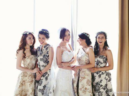 Váy phụ dâu chất liệu gấm in hoa hồng sang trọng