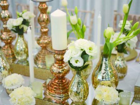 Theme cưới: Vàng ánh kim và trắng kết đôi