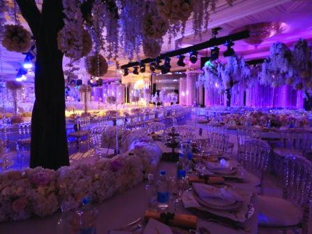 Theme cưới: Sang trọng đám cưới hoàng gia