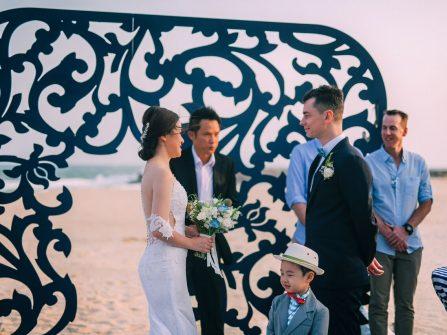 Trang trí tiệc cưới mát mắt với màu xanh men gốm