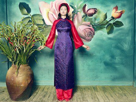 Áo dài cưới đẹp phong cách cổ điển, chất liệu gấm sang trọng