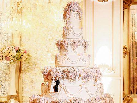 Bánh cưới đẹp lộng lẫy phong cách hoàng gia với 8 tầng bánh