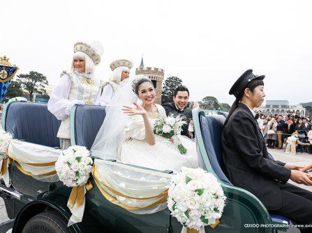 Đám cưới cổ tích tại lâu đài Disneyland của ngôi sao Indonesia